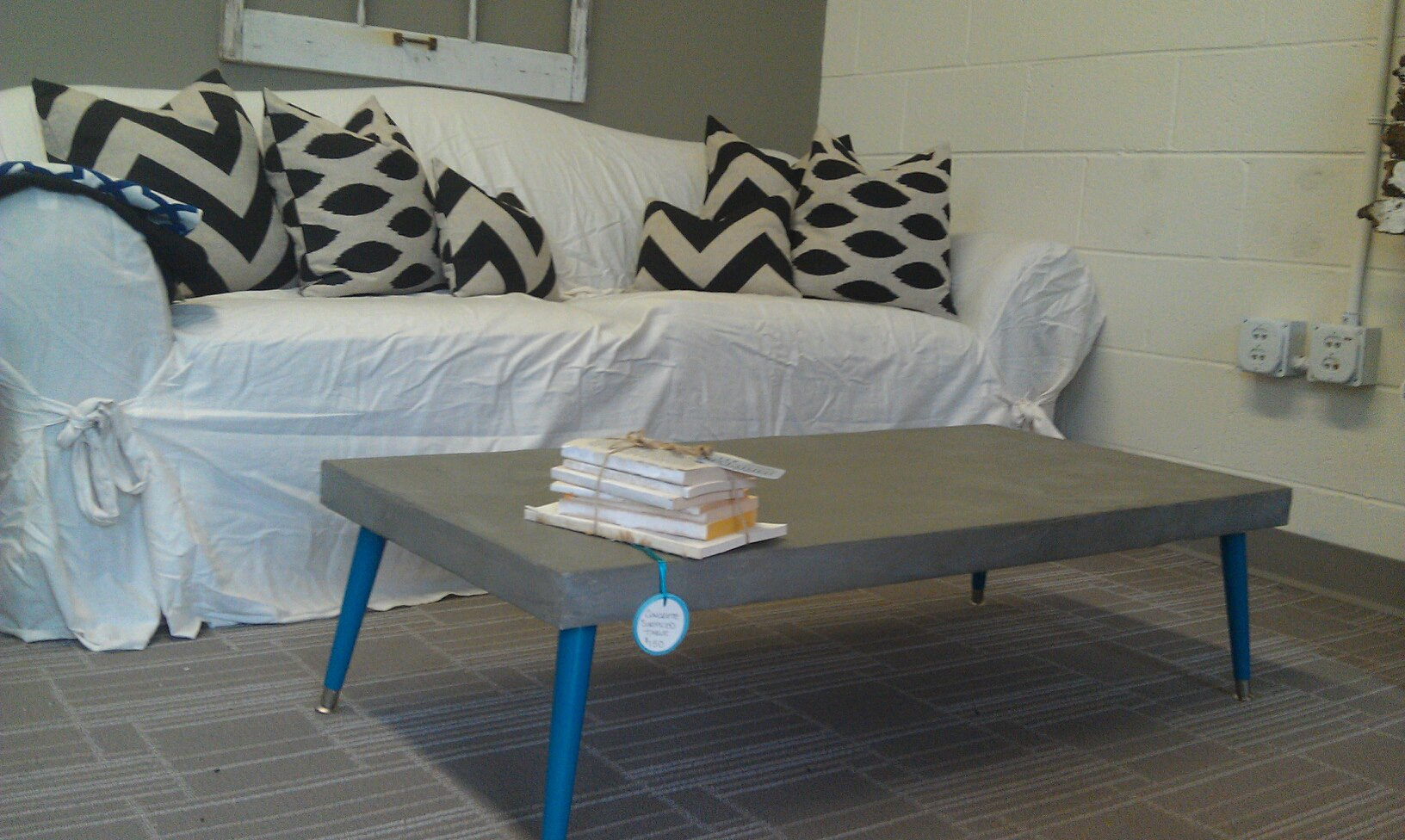 faux concrete table – dave and kelly davis